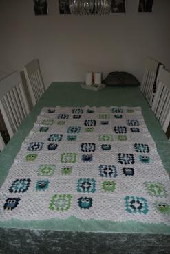 Barnevogns tæppe med ugler - til mit første barnebarn.