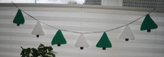 Jule guilande fra min Julekalender - Little Happy Crochet.